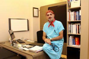 Проф. д-р Семих Халезеролу лекува рак на белия дроб с най-добрата техника в света!